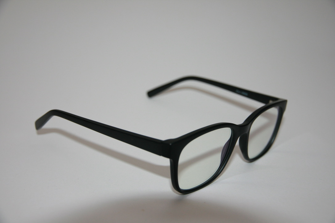 Blue light control glasses L9025 side view.